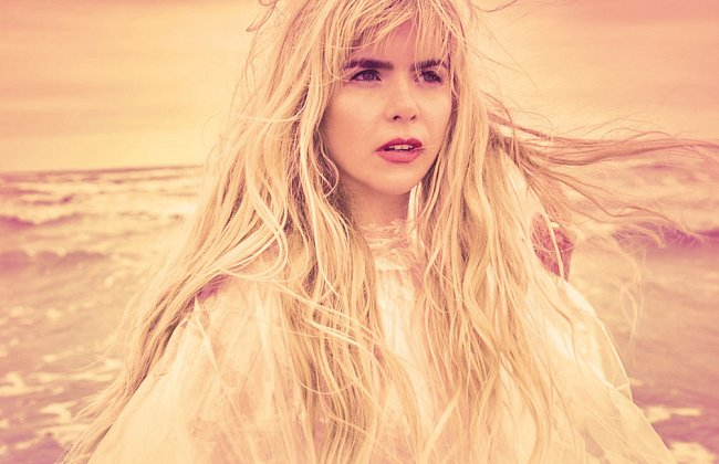 Paloma Faith, Towcester Racecourse