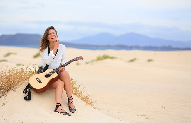 ​Nikki Loy to support Shane Filan on 2016 Tour